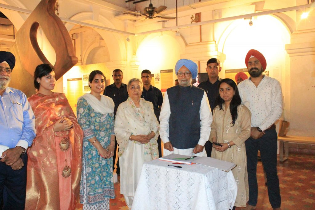 Former Prime Minister Dr. Manmohan Singh with his wife Gursharan Kaur